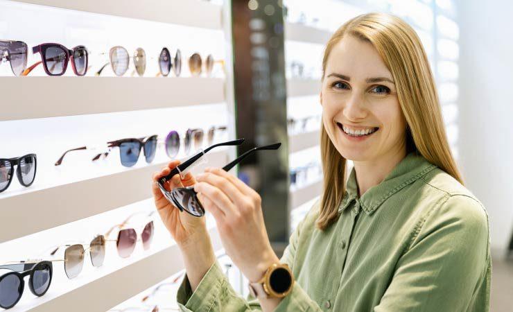 Ein Brillenkauf beim Optiker: Worauf achten?