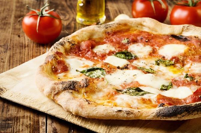 """Der Name """"Pizza"""""""
