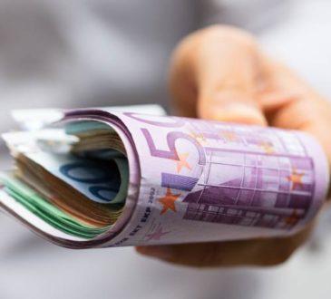Finanzieller Engpass - Dispokredit oder Minikredit?