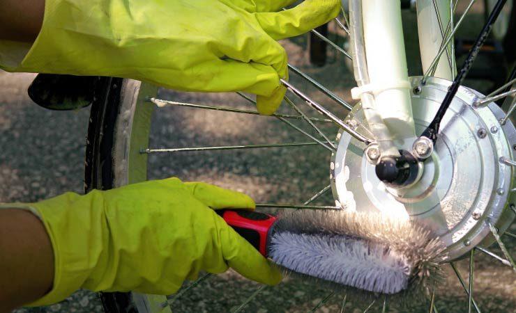 E-Bike reinigen - E-Bike Frühjahrsputz