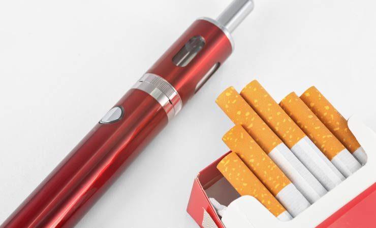 E-Zigarette vs. Zigarette: Unterschiede und Gemeinsamkeiten