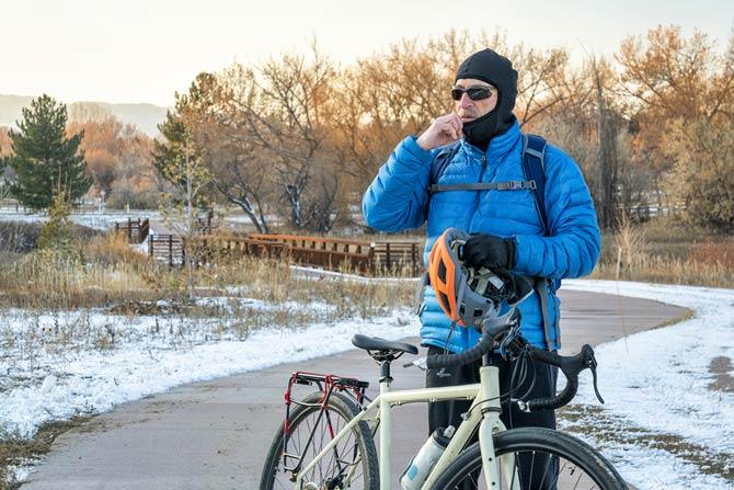 Gesicht und Hände schützen beim Radfahren im Winter