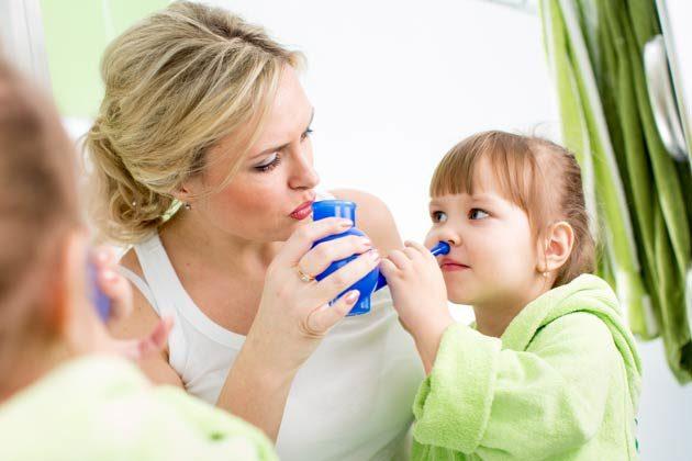 Nasendusche / Nasenspülung - Hausmittel Schnupfen