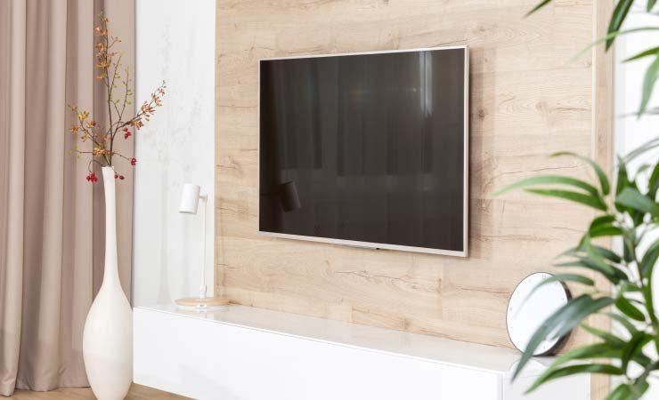 Holzplatte mit Abstand montieren