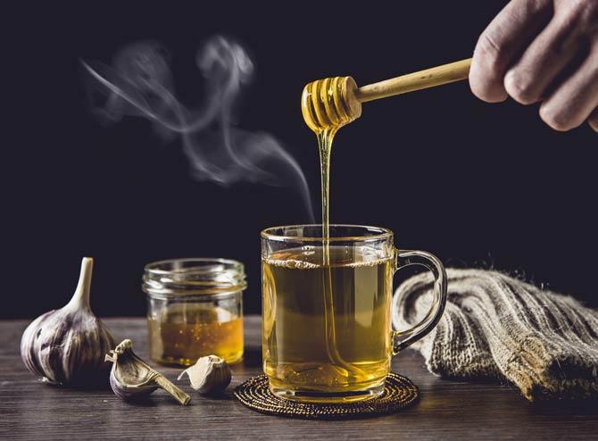 Honig gegen Halsschmerzen
