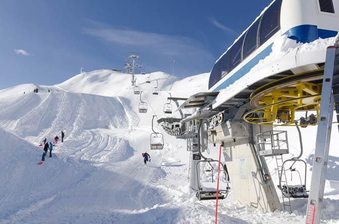 Insgesamt stehen 13 Skigebiete zum Skifahren und Snowboarden zur Verfügung