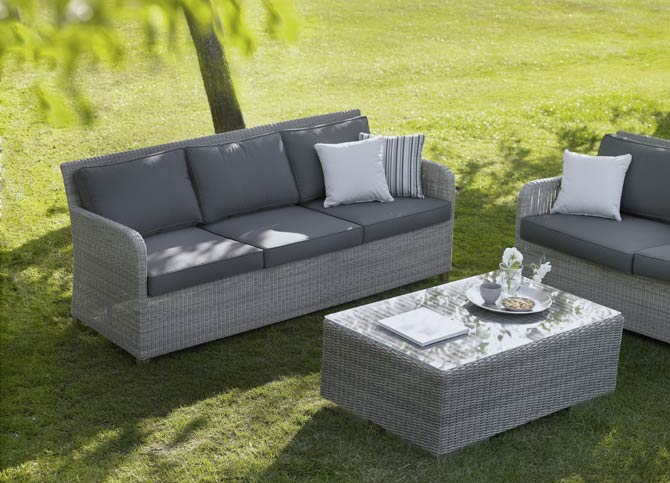 Kunststoff-Gartenmöbel