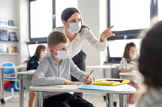 Masken in Klassenräumen