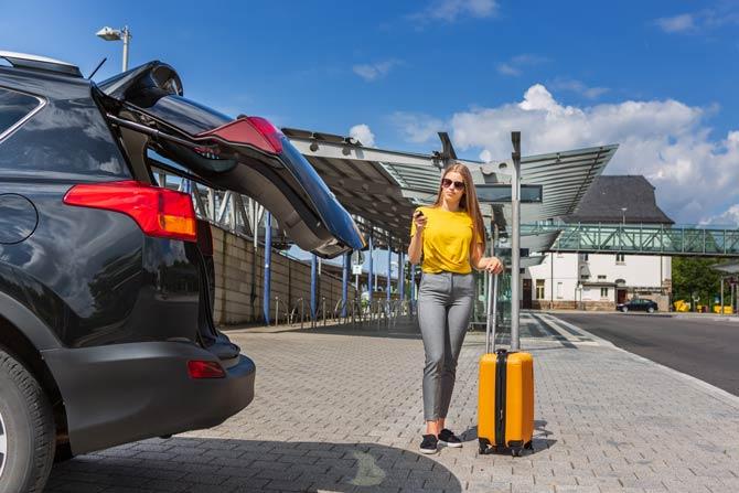 Parkmöglichkeiten am Airport recherchieren