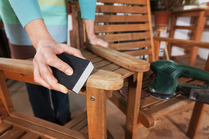 Pflegetipps für Gartenmöbel aus Holz und Teak