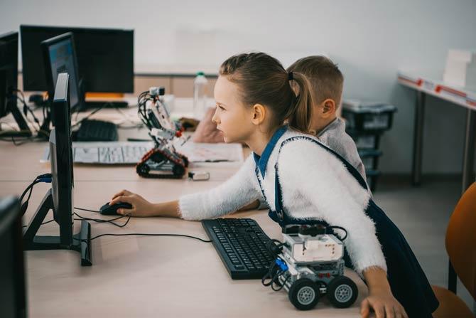 Kinder Programmiererfahrungen erlangen