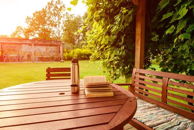 Schädigende Faktoren für Gartenmöbel