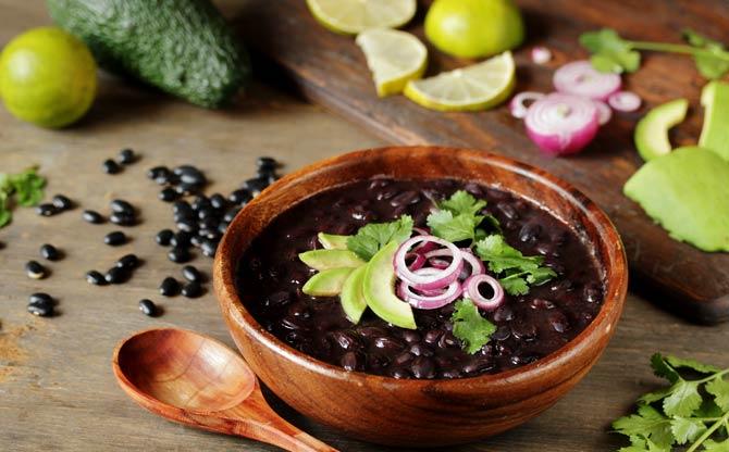 Schwarze Bohnensuppe