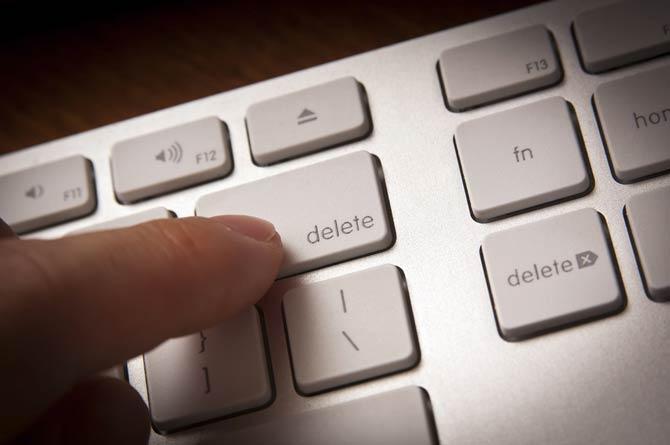Seitenbetreiber und Urheber um eine Löschung bitten