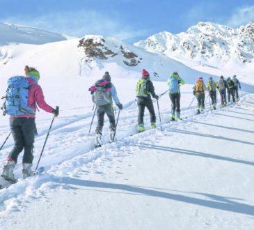 Im Winterurlaub Skibergsteigen oder auf Skitouren