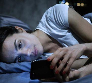 Smartphone stört erholsamen Schlaf