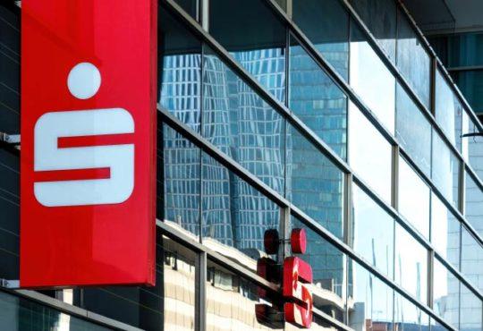 Zinsflaute – Sparkassen stecken in der Krise