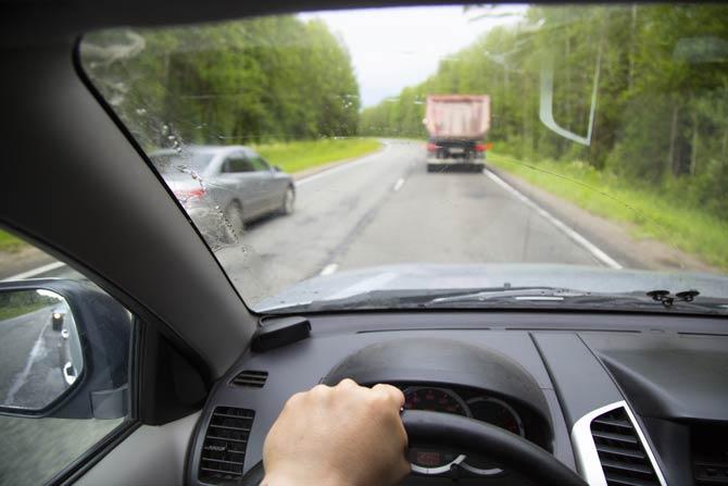 Überholen eines der gefährlichsten Verkehrssituationen