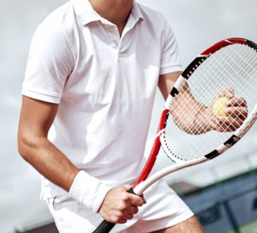 Wimbledon-Spieler ganz in weiß