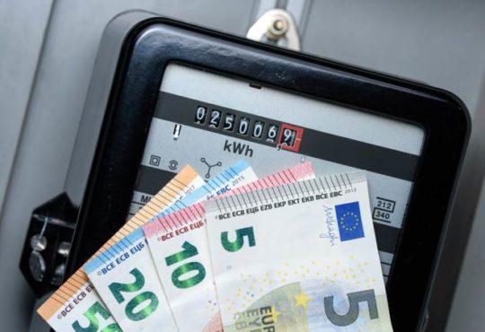 Wie setzt sich der Strompreis für Haushalte zusammen?