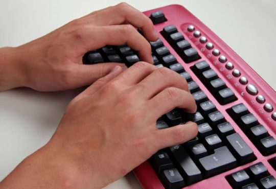 Zehn Finger Schreibsystem: Voll im Trend oder Schnee von gestern?
